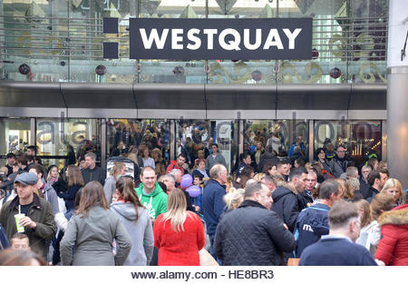 shoppers at West Quay Shopping Centre in Southampton, Hampshire on one of the busiest shopping days of the year. - Stock Photo