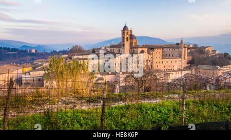 Urbino, a walled city in the Marche region of Italy. The cathedral and the Palazzo Ducale buildings can be seen. - Stock Photo