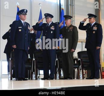 From left, Gen. Philip M. Breedlove, commander of U.S. European Command and Supreme Allied Commander Europe, Marine - Stock Photo