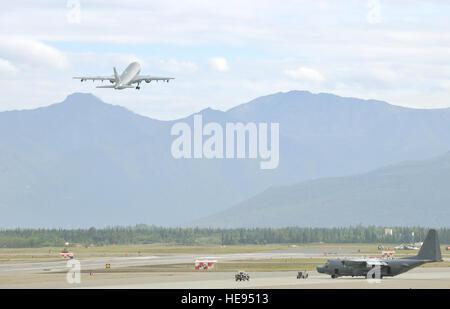 A CC-150 Polaris Airbus from 437 Squadron in Trenton, Ontario, takes off from Joint Base Elmendorf-Richardson, Alaska, - Stock Photo