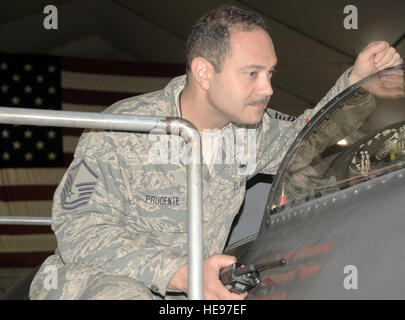 Master Sgt. John Prudente, U-2 maintenance production superintendent in the 380th Expeditionary Aircraft Maintenance - Stock Photo