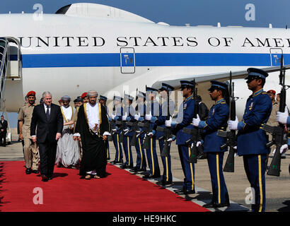 101205-F-6655M-002        Secretary of Defense Robert M. Gates (left) is greeted by Omani Defense Affairs Minister - Stock Photo