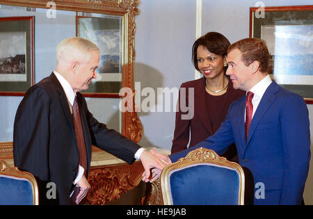 Secretary of Defense Robert M. Gates is greeted by Russian president-elect Dmitriiy Medvedev as Secretary of State - Stock Photo