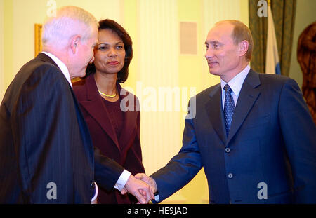 Secretary of Defense Robert M. Gates is greeted by Russian president Vladimir Putin as Secretary of State Condoleezza - Stock Photo