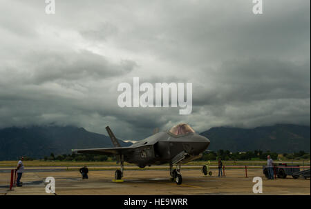 The first F-35A Lightning II Joint Strike Fighter ever to land at Hill Air Force Base, Utah, arrives here the afternoon - Stock Photo