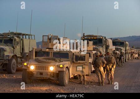 U.S. Marines assigned 1st Marine Logistics Group, Marine Corps Base Camp Pendleton prepare for an enhanced motorized - Stock Photo