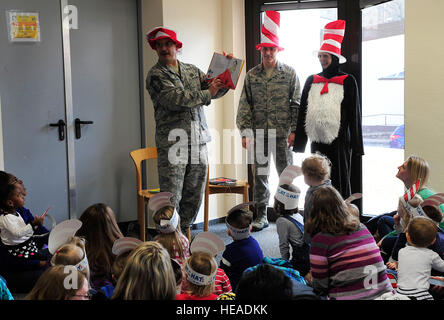 """Chief Master Sgt. Steven Mandell, 86th Force Support Squadron superintendent, reads Dr. Seuss's """"Green Eggs and - Stock Photo"""