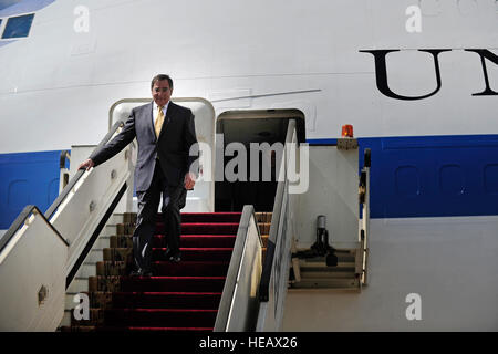 Secretary of Defense Leon Panetta arrives in Cairo, Egypt, Oct. 4, 2011.  Tech. Sgt. Jacob N. Bailey, U.S. Air Force) - Stock Photo