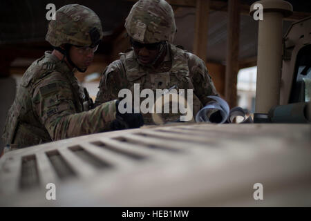 U.S. Army Sgt. Patrick O'Riley and Spc. Vital Dieujuste, Combined Joint Task Force-Horn of Africa Quick Reaction - Stock Photo