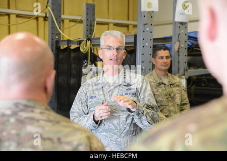 U.S. Air Force Gen. Paul J. Selva, United States Transportation Command commander speaks with Airmen assigned to - Stock Photo