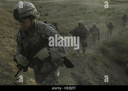 U.S. Army Soldiers with the 3rd Platoon, Alpha Company, 2nd Battalion, 14th Infantry Regiment, 2nd Brigade Combat - Stock Photo