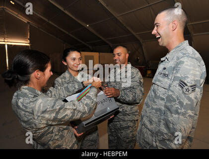 Chaplain (Maj.) Amy Hunt, 379th Air Expeditionary Wing chaplain of forward ministries, Staff Sgt. Salena Valdez, - Stock Photo