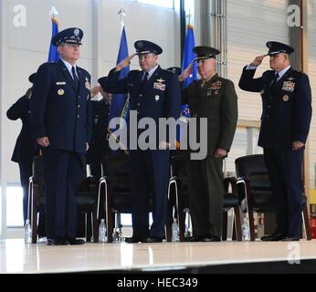 From left, Gen. Philip M. Breedlove, commander of U.S. European Command and Supreme Allied Commander Europe; Marine - Stock Photo
