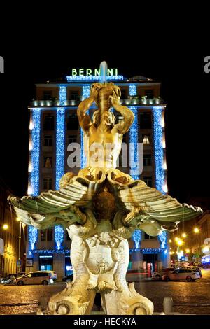 Rome, Italy. Hotel Bernini Bristol in piazza Barberini, by night ...
