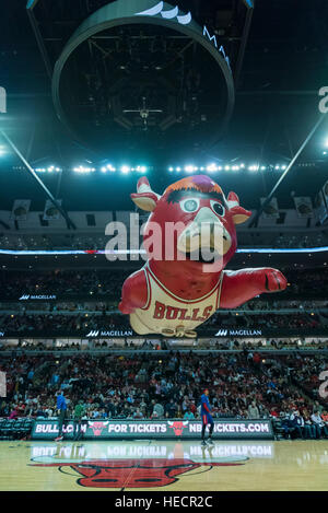Chicago, USA.  19 December 2016. An inflatable mascot passes overhead during halftime at the Chicago Bulls vs Detroit - Stock Photo