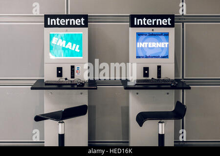 Berlin, Germany. 20th Oct, 2016. An internet machine, taken on 20.10.2016 in Berlin. Photo: picture alliance/Robert - Stock Photo