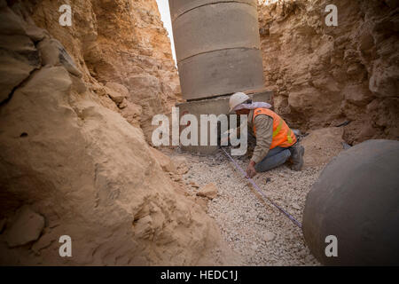 Urban waterline construction in Zarqa, Jordan. - Stock Photo