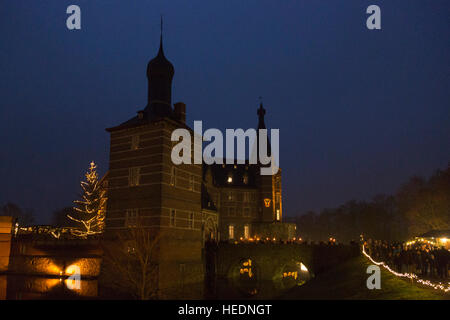 17 december 2016 thousands attend the traditional - Traditional Castle 2016