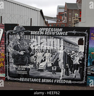 Belfast Falls Rd Republican Mural- oppression Breeds Resistance, Resistance Brings Freedom- Falls Curfew July 1970 - Stock Photo