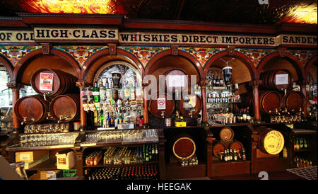 Interior counter of Famous Crown Bar,Gt Victoria St,Belfast - Stock Photo