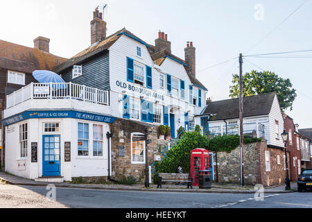England, Rye. Corner Building, Blue and white, Old Borough Arms and Mermaid Street Cafe. 18th century. British Red - Stock Photo