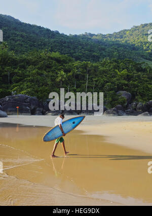 Brazil, State of Sao Paulo, Ilhabela Island, View of the beach in Bonete. - Stock Photo