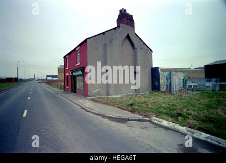 AJAXNETPHOTO. 1987. HEBBURN-ON-TYNE, ENGLAND. - PATRICK'S PLACE - ON WAGONWAY ROAD NEAR PALMER'S OLD SHIPBUILDING - Stock Photo