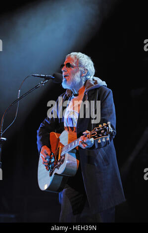 Yusuf Islam performing live onstage at the Shaftesbury Theatre in London.  Featuring: Yusuf Islam, Cat Stevens Where: - Stock Photo