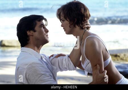 PIERCE BROSNAN & IZABELLA SCORUPCO JAMES BOND: GOLDENEYE (1995) - Stock Photo