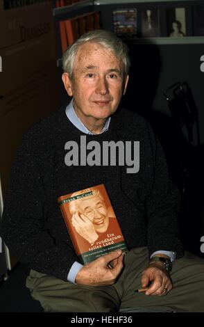 FRANK MCCOURT AUTHOR (1999) - Stock Photo