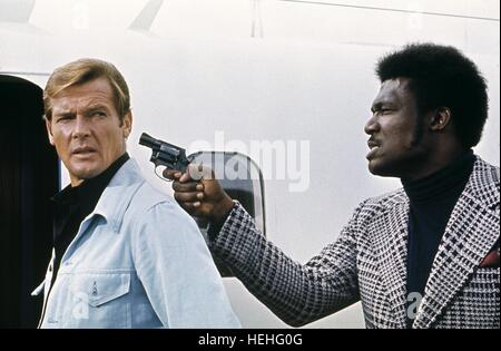ROGER MOORE, TOMMY LANE,  LIVE AND LET DIE, 1973 - Stock Photo