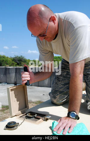 GUANTANAMO BAY, Cuba – Air Force Staff Sgt. Sean Poling, a power productions specialist with the Maryland Air National - Stock Photo
