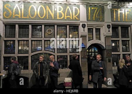 The Black Friar, Blackfriars, London, England, UK at night - Stock Photo
