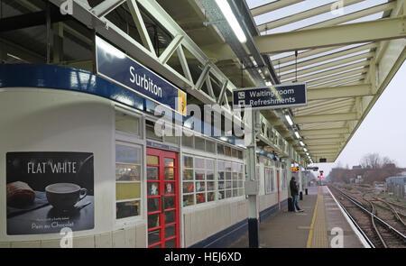 Surbiton Railway Station Waiting Room on Platform 3, Kingston,West London,England,UK - Stock Photo