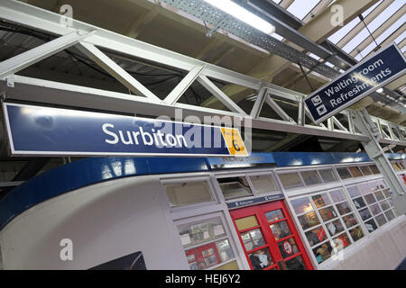Surbiton Railway Station Waiting Room on Platform 3, Kingston,West London,England,UK - Stock Photo