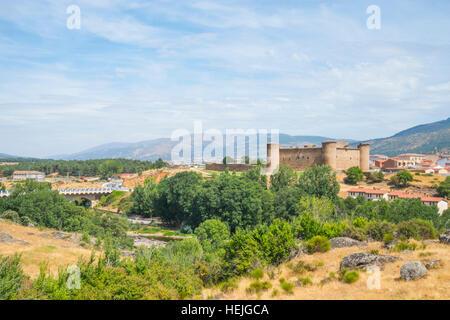 Castle and landscape of Gredos. El Barco de Avila, Avila province, Castilla Leon, Spain. - Stock Photo
