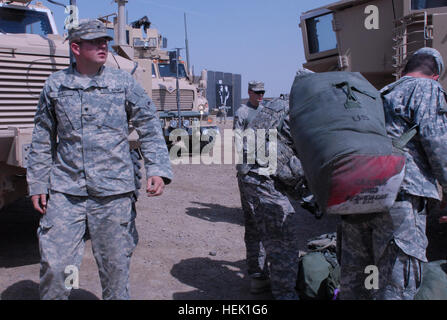Soldiers from Task Force Geronimo, 2/108th Cavalry, Louisiana National Guard, arrive from Kuwait to Camp Adder, - Stock Photo