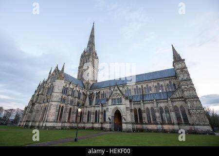 Wiltshire, UK. 20th Dec, 2016. Salisbury Cathedral © Guy Corbishley/Alamy Live News - Stock Photo