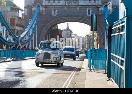 Tower Bridge, London, UK. 22nd Dec, 2016. Tower Bridge, the 122-year old iconic landmark on the River Thames, reopens - Stock Photo