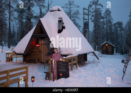 Salla, Finland. 24th December, 2016. Temperatures hovered around -5 Centigrade in Salla, Finand this morning, Saturday - Stock Photo