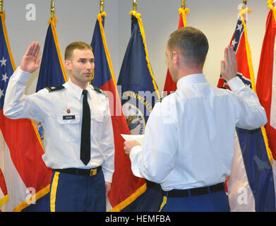 U.S. Army Lt. Col. James A. DeLapp, U.S. Army Corps of Engineers Nashville District commander, administers the oath - Stock Photo