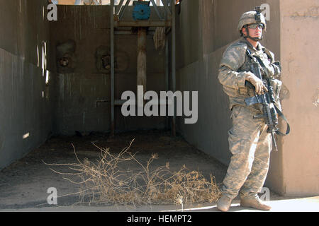 A U.S. Army Soldier of 4th Platoon, Delta Company, 27th Infantry Regiment, 3rd Brigade Combat Team, 25th Infantry - Stock Photo