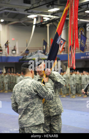 Maj. Gen. Stephen J. Townsend, commander, 10th Mountain Division and Fort Drum, N.Y., passes the 2nd Brigade Combat - Stock Photo