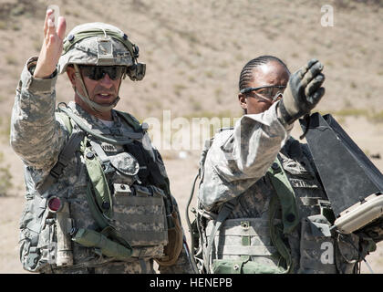 FORT IRWIN, Calif. - A U.S. Army noncommissioned officer, assigned to 977th Military Police Company, 97th Military - Stock Photo