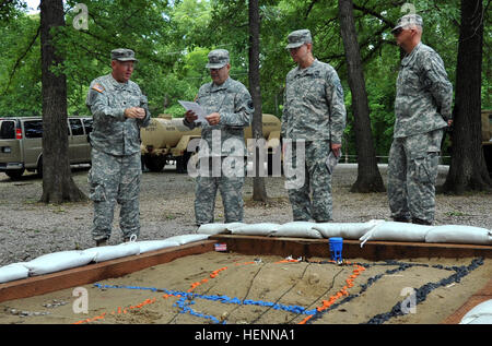 U.S. Army Reserve Brig. Gen. Ferdinand Irizarry II (second from left), operations and plans officer, U.S. Army Reserve - Stock Photo