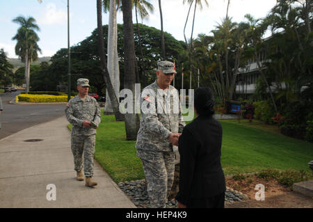 Gen. Raymond T. Odierno, chief of staff of the Army, visits U.S. Army Pacific headquarters at Fort Shafter, Hawaii. - Stock Photo