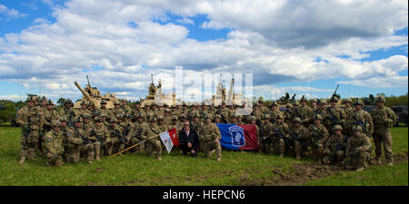 The President of Estonia Toomas Hendrik Ilves and A Troop, 1st Squadron, 91st Cavalry Regiment, 173rd Airborne Brigade - Stock Photo