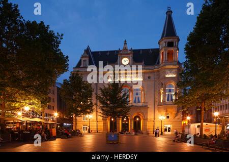 Stadthaus Cercle am Place D'Armes bei Abenddämmerung, Luxemburg-Stadt, Luxemburg, - Stock Photo