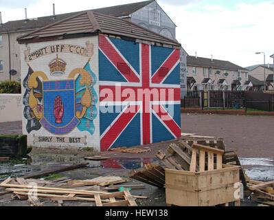 Shankill Road Mural -2nd Batt UFF UDA Simply The Best, West Belfast, Northern Ireland, UK - Stock Photo