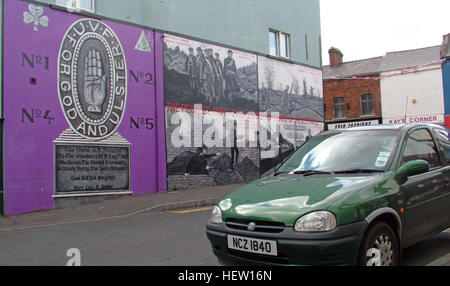 Shankill Road Mural -Purple For God and Ulster, West Belfast, Northern Ireland, UK - Stock Photo